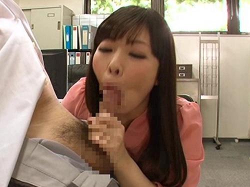 《連続射精》ちょっ!?職場でいきなりフェラしてくる痴女同僚!根本しっかり掴んで、亀頭を喰らい尽くすジュポフェラがエロw