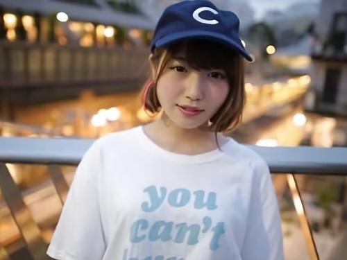 【田舎娘デビュー】ショートカット美少女が上京してAV女優になる!ホテルで男の股間に顔を埋めてねっとりフェラする♪