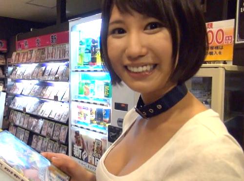 [企画]「湊莉久だよ♡素人さんにHなイタズラをしかけますww」ビデオ鑑賞店でスレンダー巨乳おっぱい痴女にしゃぶられるw