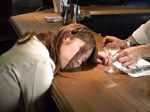 ■昏睡レイプ■美人お姉さんだけを狙ったレイプ好きな飲み屋店主!無抵抗なおっぱいとマンコを凌辱し膣内射精|盗撮・隠し撮り