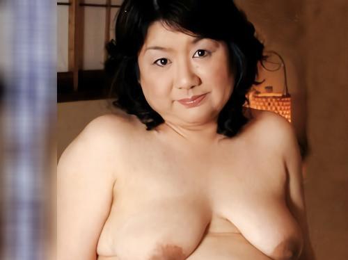 ■四十路・人妻熟女■「こんなおばさんでも愛して♡」ムチムチ豊満ぽっちゃり&巨乳おっぱいの樽型BBAがNTR不倫SEX!