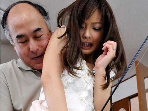 《美人人妻NTR》「お義父さんだめっ!ダメですからっ!」おじさんのねちっこい凌辱にアクメするスレンダー巨乳おっぱいの若妻!