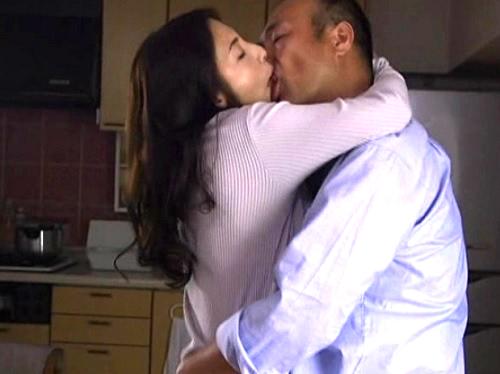 ★五十路&人妻熟女★『舌♥舌ちょうだい♥』不倫セックスでベロキス濃厚エッチを楽しむスレンダー巨乳おっぱい美魔女
