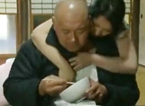 《ヘンリー塚本》『もぉ濡らして準備できてるから・・・♥』SEX好きムチムチ巨乳おっぱい人妻熟女の日常からのSEXがエロい!