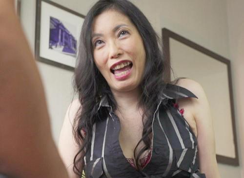 【巨乳で変態な人妻熟女をナンパ】おっぱい大きいマジな変態おばさんww「もぉ♥私のオマンコに入れたいんでしょ?♥」