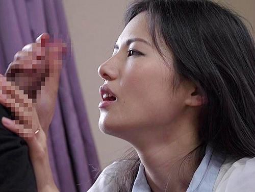 【ガリ巨乳の熟女看護師に連続中出し】おっぱいでけぇ人妻おばさんの筆おろし!「1回じゃ足りない?♥」美魔女で連続射精!