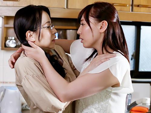 【おばさんレズ】『愛し合いましょ…♡』スレンダー巨乳おっぱいの人妻熟女達が、旦那に隠れて暇さえあればマンコをいじり合う!