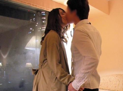 《高級デートクラブx美人JD》ムチムチ女子大生とホテルで愛し合う!「いっぱいして♥」綺麗なおっぱいのロリに中出し!
