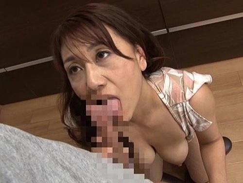【嫁の母】『溜まってるのね?おばさんが性欲処理してあげる♥♥』50代なのにスレンダー巨乳おっぱい美人の義母とNTR