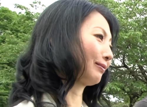 《五十路の人妻熟女》「良かった…」スレンダー巨乳おっぱいおばさんが息子経営の宿で禁断の近親相姦セックスしてしまう!
