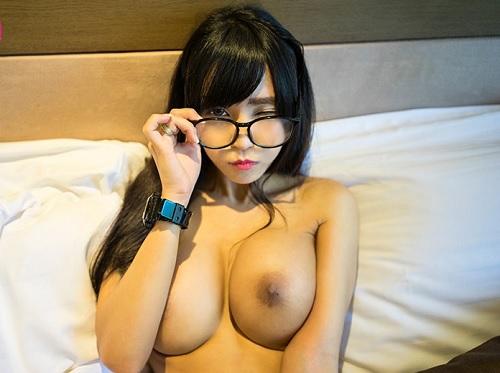 《外人美少女・ヤバイやつ》タイでスレンダー巨乳おっぱいのロリ美少女を抱く!ブリンブリンの張りのある体がマジでエロい!!