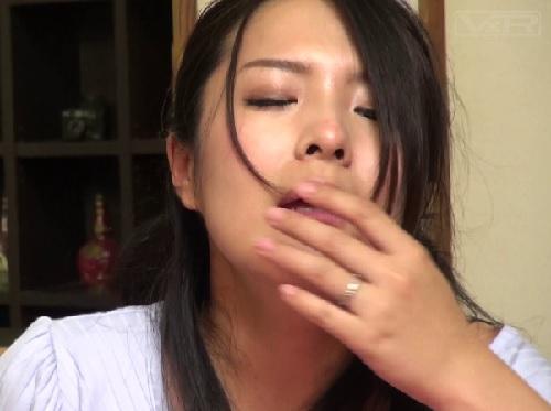 ★コタツNTR★(だめっ…ひっ…んんん~♡)こたつでおマンコいじめられマン汁どろどろにしてる巨乳おっぱい人妻が抜けるw