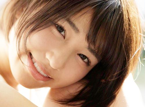 《グラビアアイドルがAV女優に》「私で興奮してね・・・♥」紗倉まなに憧れてショートカットにした巨乳おっぱい美少女の初撮り!