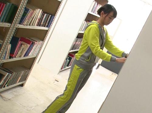 《潮吹きレ●プ》(い、今はだめぇ♥)図書館で巨乳おっぱいのお姉さんにハメる!声も出せずにイキ潮お漏らししてアクメしちゃうW