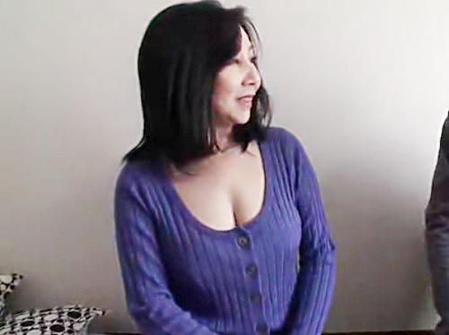 《人妻熟女と素人男》「年上が好みなの??♥♥」普通に話してるだけなのに卑猥いw巨乳おっぱいムチムチ美熟女と膣内射精SEX