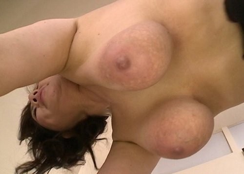 《108cm超乳・六十路》「おばさんもっと犯してぇ♥」スーパー垂れ乳・巨乳おっぱい人妻熟女が息子と近親相姦NTRエッチww