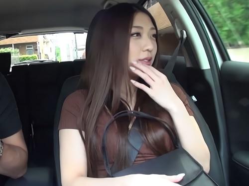 素人ナンパ「やぁん♥いっぱい出てるぅ♥」スレンダー巨乳おっぱいお姉さんをハメ撮り!中出しマンコほじられイキ潮お漏らし!