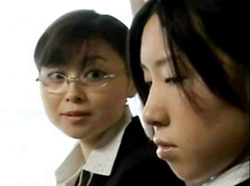 《ハードレズ》「いっぱい入れてあげる♡」女教師が教え子と濃厚百合プレイ!鼻の穴まで舐め回し、ペニバンで突きまくるスゴイやつw