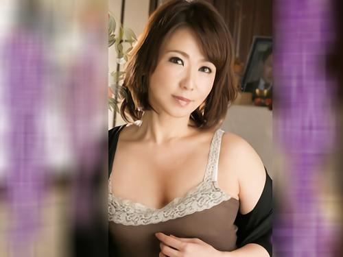 《五十路の人妻熟女》「嬉しいの・・・♥♥」スレンダー巨乳おっぱい美魔女が亡くなった夫とそっくりな男を誘ってNTR