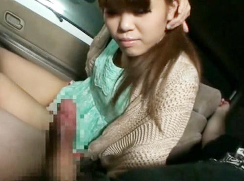 《素人娘のオナニー鑑賞》「オクチだけだよ?♥♥」ムチムチ太ももが激エロな茶髪ギャルに車内でオナニーを見せ&口淫処理させる