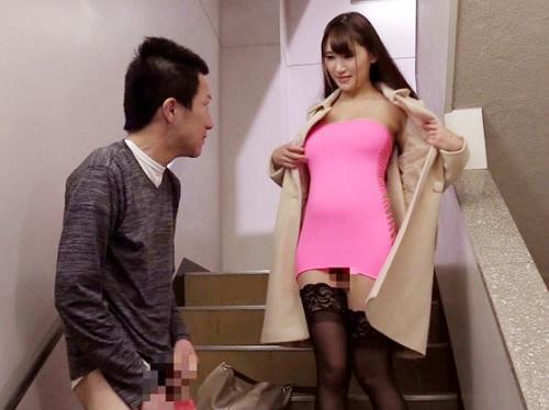 《超乳ボディコン痴女》「ケツの穴で興奮してっ♥♥」スレンダー巨乳おっぱいお姉さんが淫語イイながらアナルを披露ww