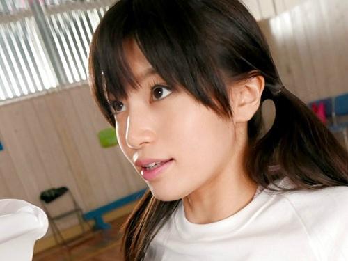 【たかしょー】「出していいよ・・・♥」元アイドル芸能人のスレンダー巨乳おっぱい美少女がブルマ姿がで激エロなパイズリww