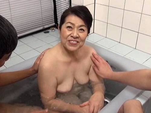 《六十路の人妻熟女》「こんなおばさんよ…♥」農家を営む性欲旺盛なムチムチ巨乳おっぱい高齢おばさんとNTR・SEXがヤバイ