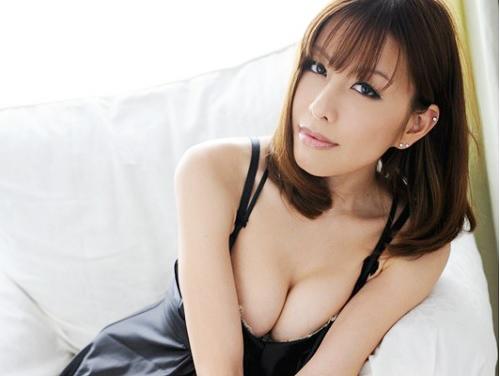 《妖艶熟女x芸能人》かつて流行った下ネタ芸能人がAV女優デビュー!巨乳はロケットおっぱい、デカ乳輪のエロボディだったww