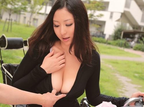 人妻ナンパ「ちょっとぉ♥」ママチャリに乗ったムチムチ巨乳おっぱいの団地妻とSEX!欲求不満で乱れる奥様達に種付けしちゃうw