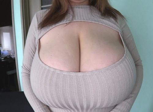 《魔乳・奇乳》「出して…♥」Qカップの超乳、巨乳おっぱい、デカ乳輪のぽっちゃりお姉さんの肉壷マンコに素人男が種付け!w