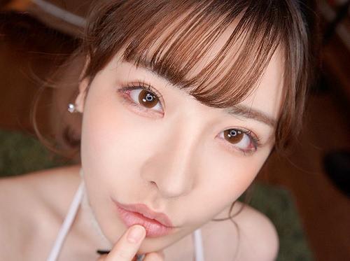 《深田えいみ・VR動画》「おしゃぶり大好きっ♥」スレンダー巨乳おっぱいの激エロ美少女のジュポジュポ口淫が主観で楽しめる!