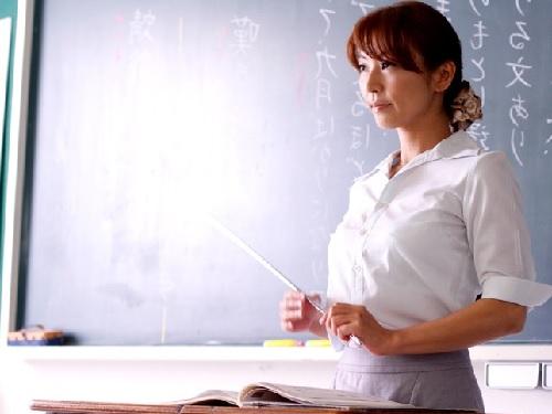 《美熟女x女教師レ●プ》「いやっ!いやぁ!」スレンダー巨乳おっぱいの厳格な教師が生徒に辱められ快楽落ちしちゃう!w