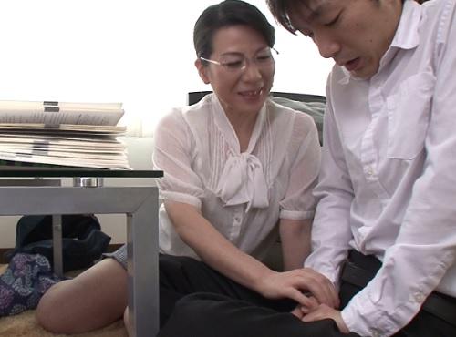 【五十路の人妻熟女&家庭教師】『うふふ♥おばさんがしてあげるわ♥♥』巨乳おっぱいムチムチ女教師に初めてを捧げるww