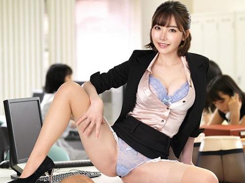 《痴女OL》「うふふ♥」転職先の年下女上司は元愛人!スレンダー巨乳おっぱい美女に弱みを握られ、チンポを使われちゃうw