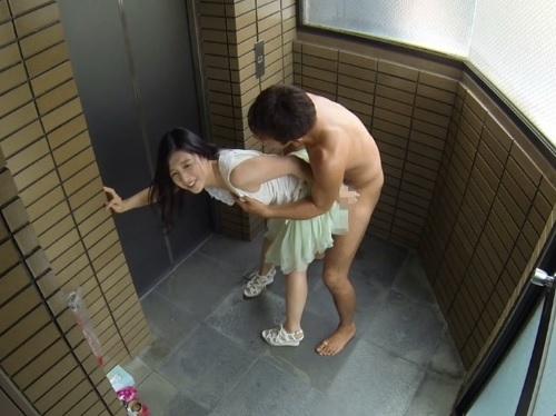 《挿入生活》「感じすぎて動けないからぁ♥♥」スレンダー美乳おっぱいお姉さんに朝から晩までハメっぱなしの乱交SEX!