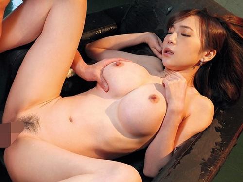 《超乳お姉さん》「もっと♥もっとぉ♥」フィギュアみたいなクビレ、スレンダー巨乳おっぱいの美人お姉さんと濃密SEX!ww